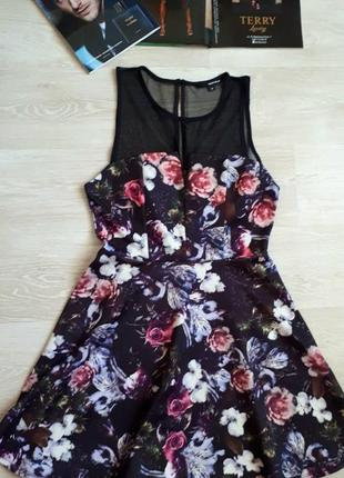 Платье в цветах / 2я вещь в подарок