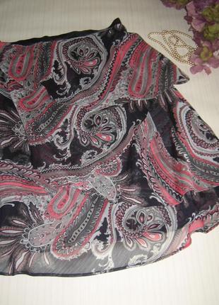 Каскадная юбка с восточным принтом