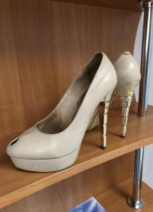 Очень удобные и красивые туфли