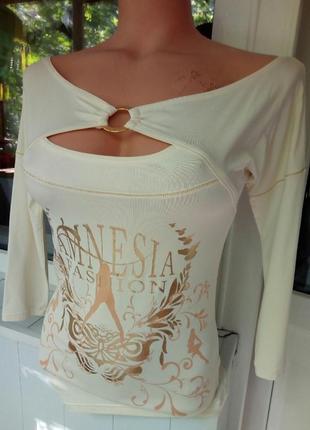 Нарядная брендовая блузка c открытыми плечами аmnezia s-м