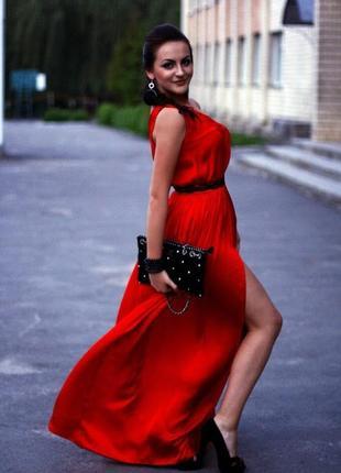 Шелковое красное платье в пол в греческом стиле