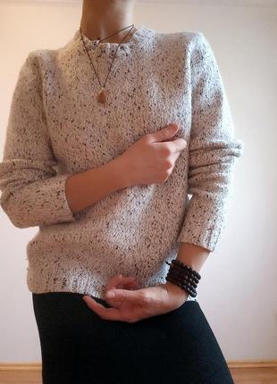 Белый вязанный свитер samsoe