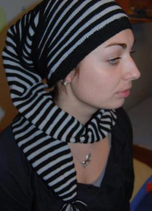 Шапка-шарф - очень необычный и оригинальный головной убор