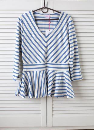 Блузка-кофта с баской,шикарная,натуральная ткань,нежный цвет