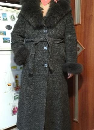 Очень теплое зимнее длинное пальто