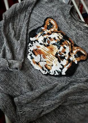 Свитер с тигром от pull and bear