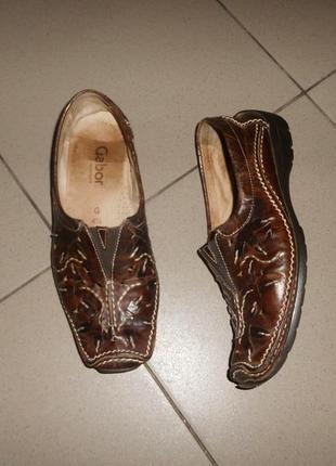 Интересные полностью кожаные туфли балетки