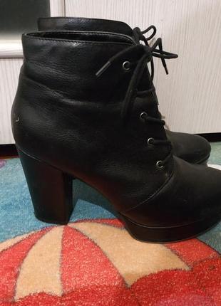 Черные кожаные ботинки ботильоны forever21