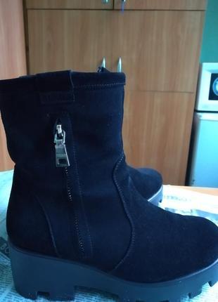Зимові чобітки на платформі 25см 39 розміру