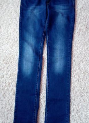 Джинсы темно синие,27размер,madoc