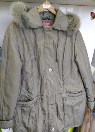 Продам пальто куртку плащ зимний р 52 -54