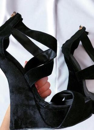 Замшевые туфли zanotti