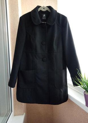 Черное демисезонное пальто весна/осень