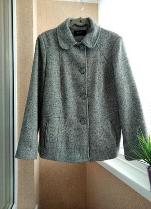 Красивое качественное демисезонное пальто весна/осень с содержанием шерсти
