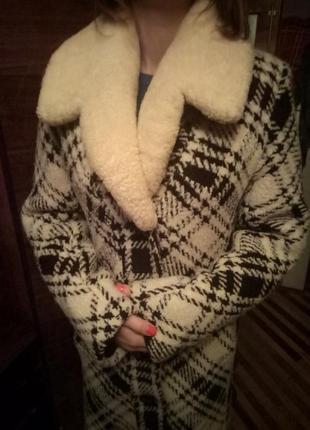 Очень теплое зимнее пальто с овчиной
