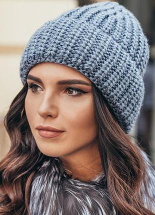 Зимова шапка на флісі середньої в'язки