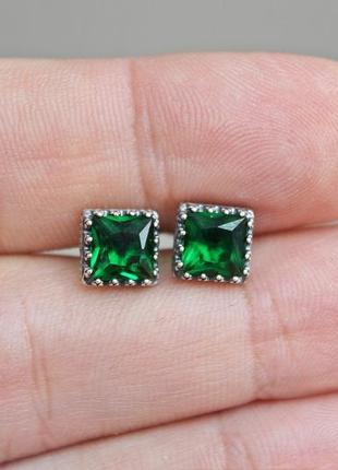 Серебряные пусеты квадрат зеленые