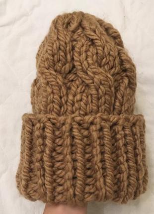 Шерстяная шапка в косах тренд объемная конус  большая пряжа