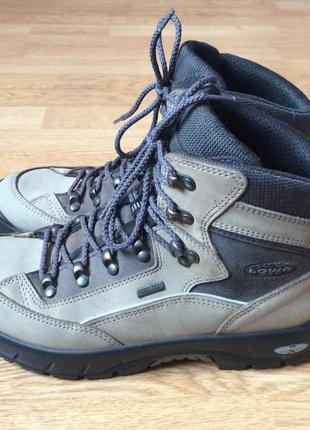 Треккинговые ботинки lowa германия 40 размера с мембраной gore-tex