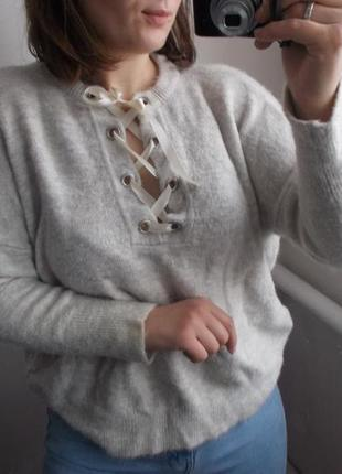Бежевый свитер со шнуровкой atmosphere тренд 2018 свитер с завязками