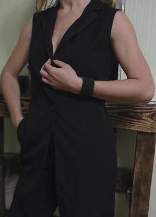 Длинная костюмная жилетка