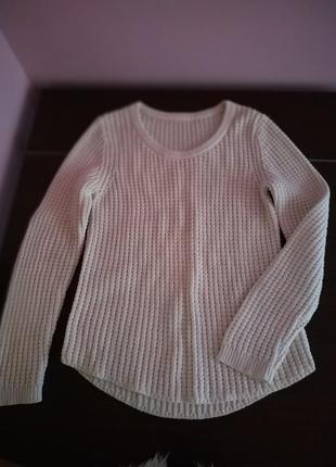 Базовый свитер молочного цвета