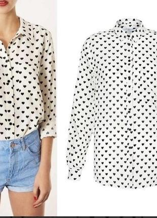 Белая рубашка с сердечками , размер м.