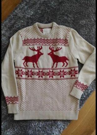 Новогодний свитер с оленями и со снежинками