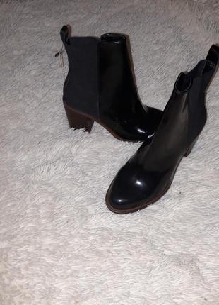 Нереально крутые ботинки stradivarius