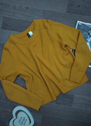 Трендовый горчичный свитер оверсайз