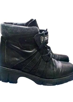 Зимние ботинки, кожа, шерсть.