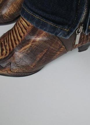 Сапоги lamica р.38. италия. ковбойский стиль.  кожа питон + ткань тип. джинс.
