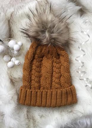 Вязаная шапка в косы горчица