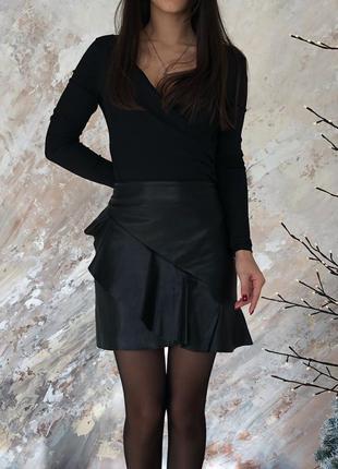 Отличная юбка из эко кожи