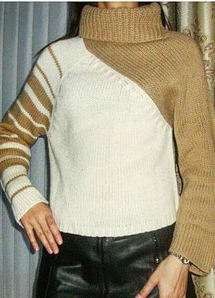 Невероятно красивый свитер, крупная вязка, горловина завышена, мягкий и очень теплый.