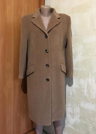 Роскошное шерстяное пальто,кемел,100% beby camel.
