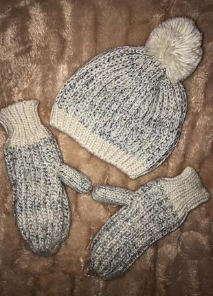 Тёплый набор шапка варежки