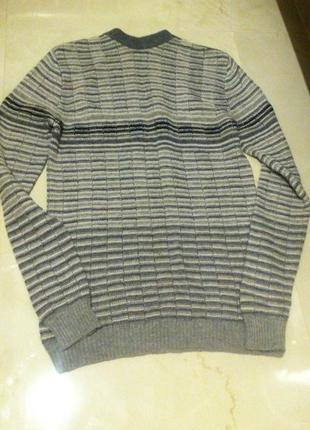 Теплый длинный серый шерстяной мужской свитер sela s-m.