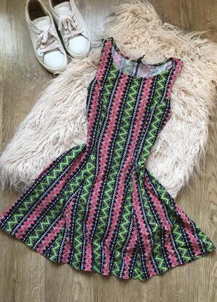 Короткое яркое платье h&m m-l