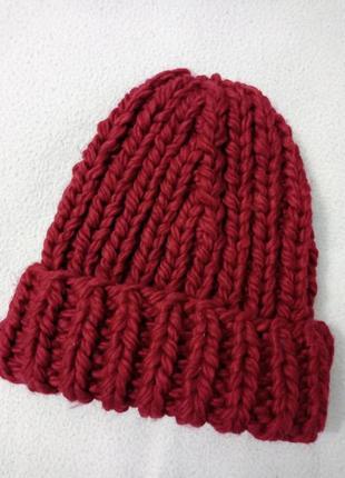 Объёмная шапочка ручной работы