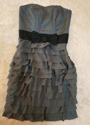 Красивое платье с рюшами от h&m