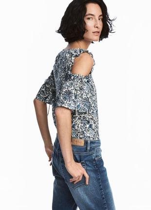 Хлопковый топ футболка блуза с открытыми плечами на завязках в цветочный принт