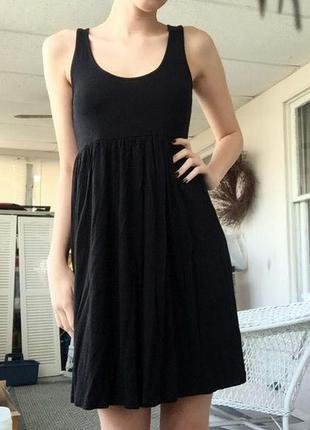 Черное трикотажное базовое платье