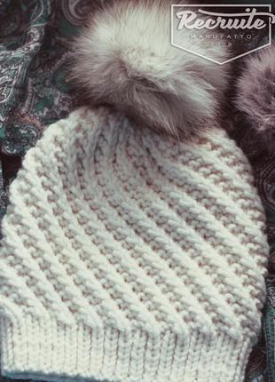 Зимняя теплая шапочка ручной работы