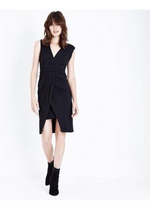 Нарядное чёрное платье на запах, вечернее эластичное по фигуре, карандаш,