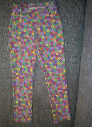 Яркие и неординарные брюки-скинни