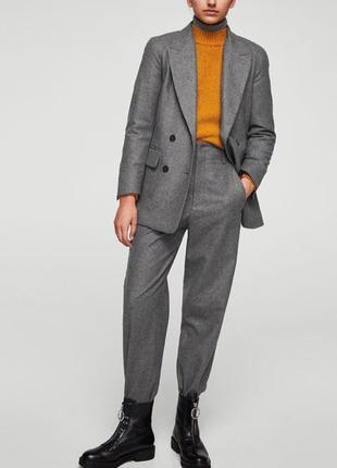 Шикарный шерстяной брючный костюм mango р s