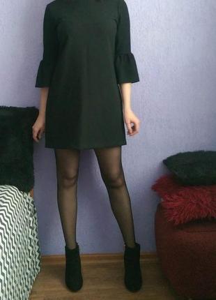 Платье прямого кроя с объемными рукавами