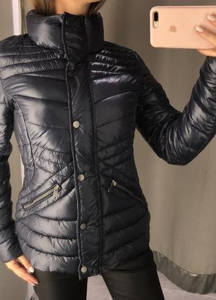 Стёганая деми куртка amisu атласная курточка на синтепоне есть размеры