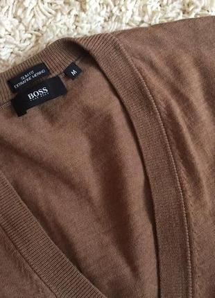Шикарний, виконаний екстра тонкої шерсті меріноса светрик,бренда hugo boss,розмір м3